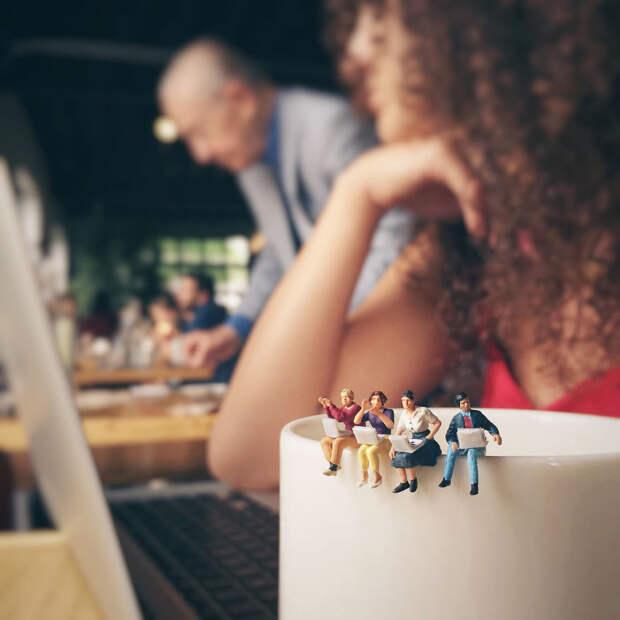 Рабочие будни рекламного агентства в миниатюре
