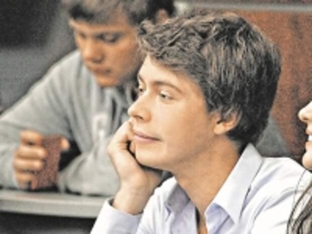 ПРАВО.RU: Сын Медведева после юрфака МГИМО останется работать в России