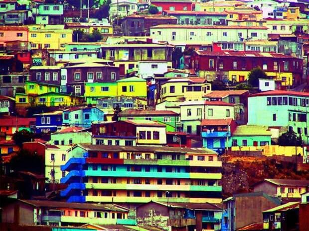 Города, в которых яркие и радостные цвета стали основой архитектуры