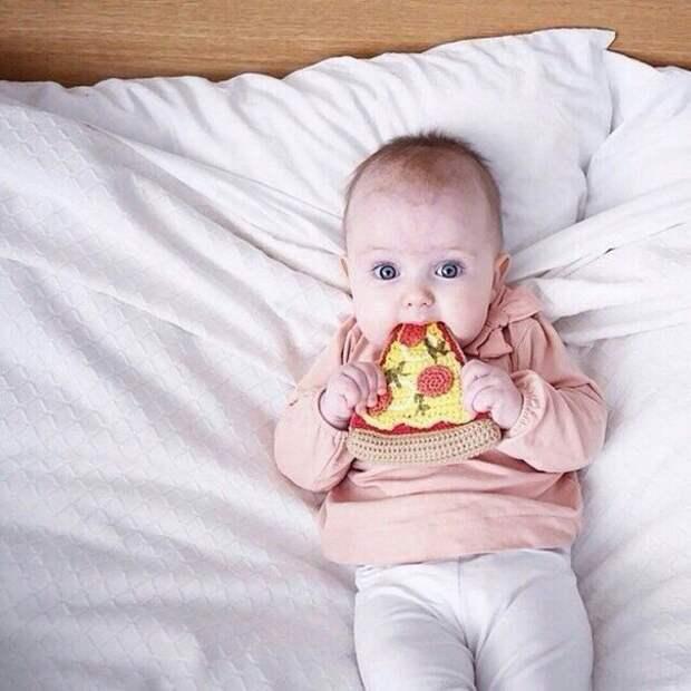 Вязаная пицца).