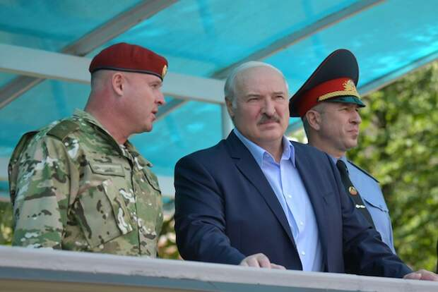 В профсоюзе полиции предложили перекрыть Белоруссии газ и нефть после задержания россиян