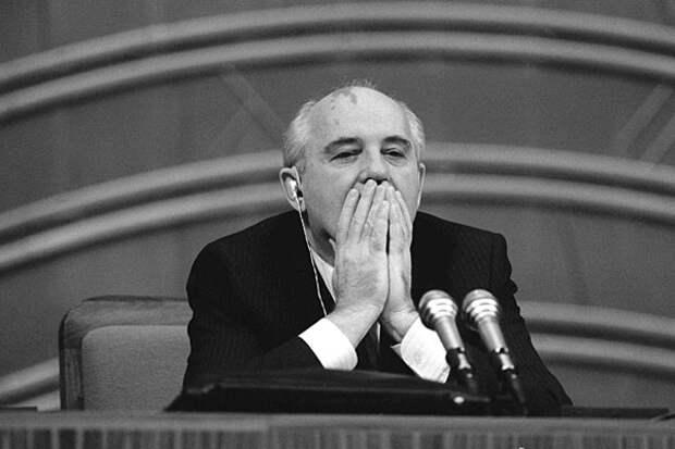 Михаил Горбачев, декабрь 1990 года. Фото: Владимир Завьялов и Юрий Лизунов / Фотохроника ТАСС