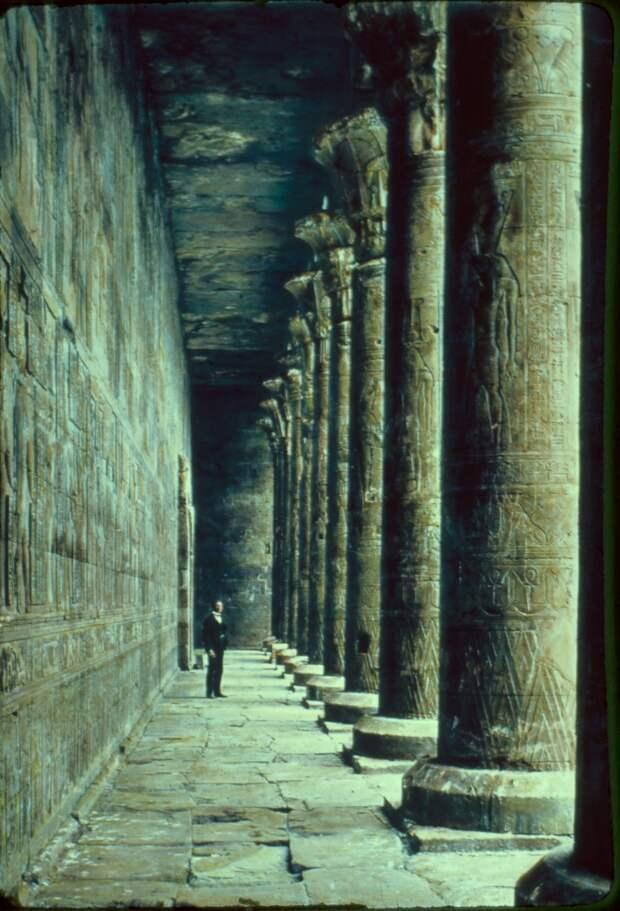 Эдфу. Колоннада Храм Гора.1950