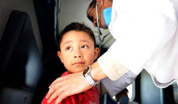 Эдгар Энрике Эрнандес Kid Zero звучит как прозвище приятеля супергероя, но на самом деле так врачи маркировали первого человека, зараженного свиным гриппом. Четырехлетний Эдгар Энрике Эрнандес дал положительный результат на H1N1 в марте 2009 года: фотографии улыбающегося пребывающего в неведении мальчика появились на первых полосах каждой мексиканской газеты. По данным Всемирной организации здравоохранения, H1N1 способствовал гибели более 18 000 человек.