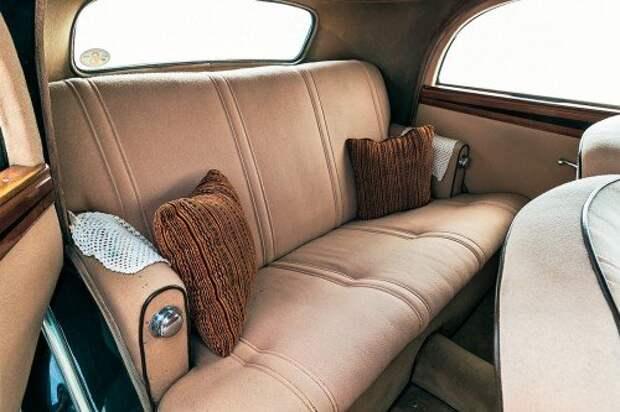 Задние пассажиры должны чувствовать себя не хуже, нежели в богатой гостиной.