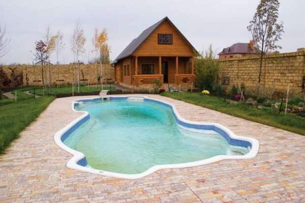 Открытый бассейн на участке - фото 3