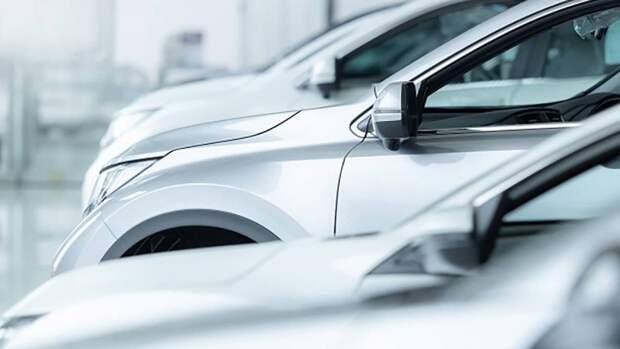 Продажи европейских автодилеров упали на четверть в сентябре 2021 года