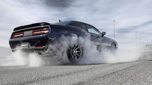 Мощнейшим седаном в мире станет Dodge Charger Hellcat