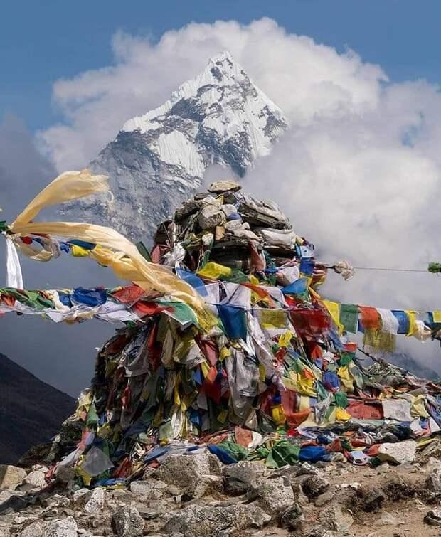 В Непале планируют устроить экспозицию из мусора с Эвереста