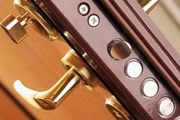 zamenit-dvernoy-zamok_2