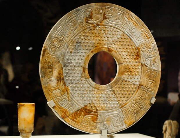 Китайская головоломка для археологов — загадка нефритовых дисков Би