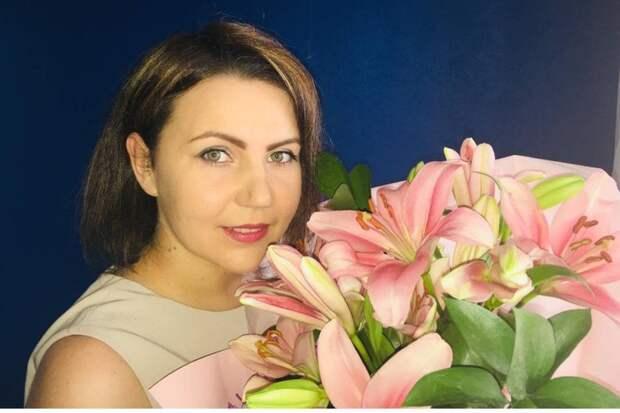 Анастасия Лисовская - воспитатель в детском саду, но взяла отпуск без содержания и ушла помогать врачам. Фото: личный архив.