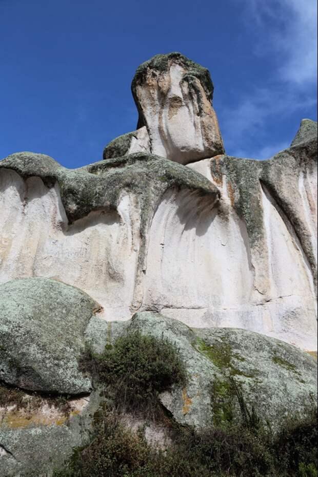 Потекшие скалы Маркауаси. Источник https://www.mt-kailash.ru/fotogallery/peru-2013/peru-2013-plato-markahuasi