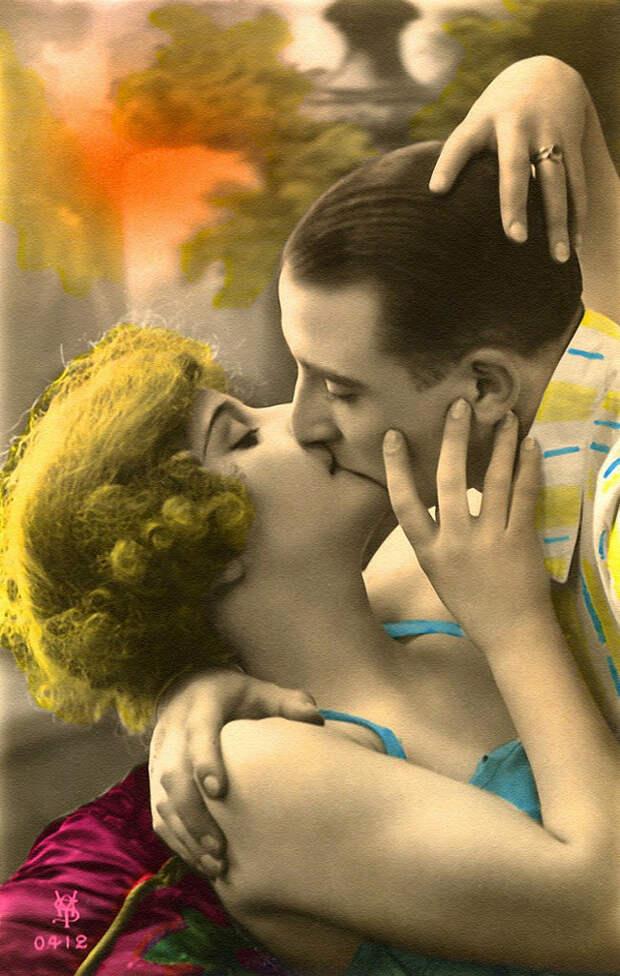 Французские открытки, в которых показано, как романтично целовались в 1920-е годы 7