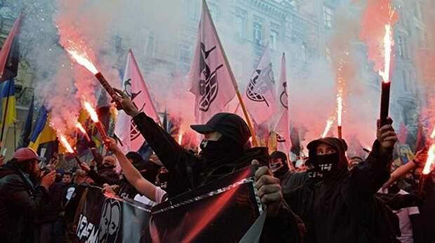 Европа продолжает закрывать глаза на нацистов, резвящихся на её заднем дворе