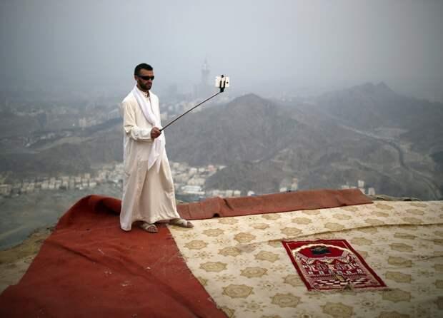 Мусульмане стекаются в Мекку на ежегодный хадж