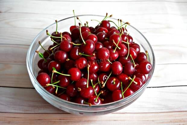 В Украине начался сезон вишни: сколько будет стоить ягода