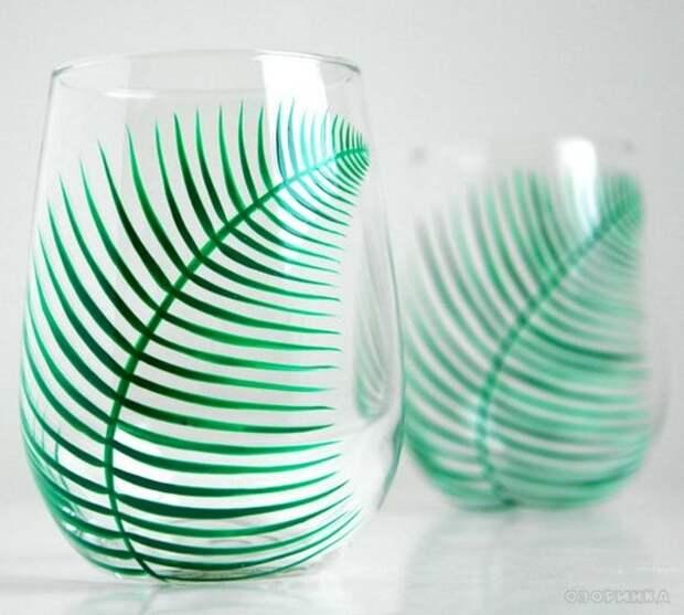 Зеленый лист, напоминающий папоротник, прост в исполнении и достаточно оригинален.
