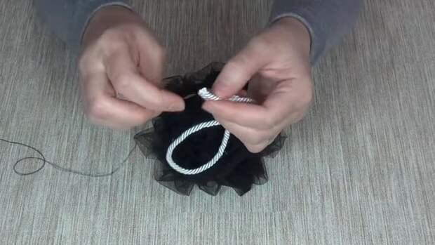Несколько полезных и интересных идей из обрезков фатина