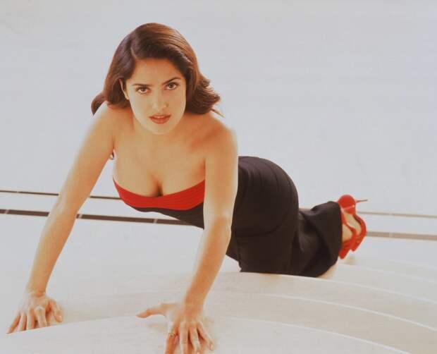 Сальма Хайек в фотосессии 1996 года