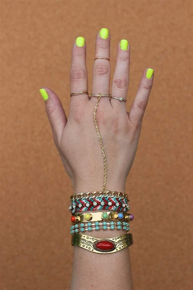 Плетеный браслет с цепочками и кольцом