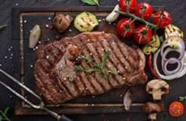 Почти половина поляков не едят мясо