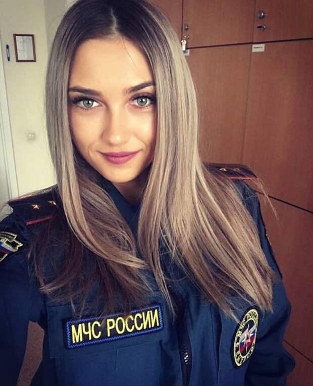 Красавицы в МЧС: самые красивые девушки спасают людей