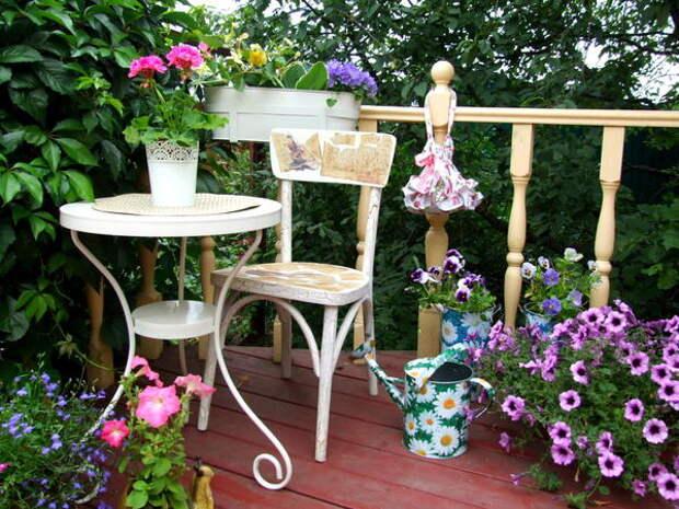 Контейнерный садик на площадке для отдыха