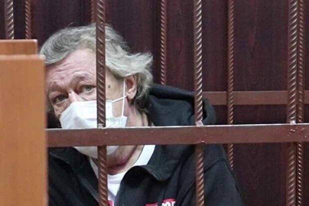«Журналистам надо хайп словить»: адвокат Михаила Ефремова