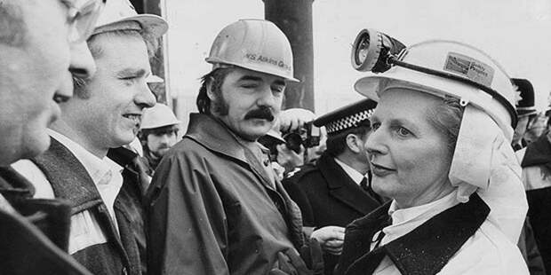 Маргарет Тэтчер с шахтёрами