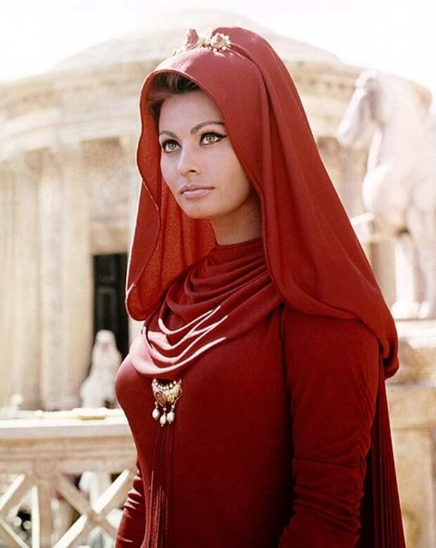 Софи Лорен в фильме «Падение Римской империи», 1964 год