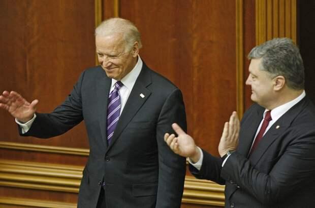 Джо Байден и Петр Порошенко.