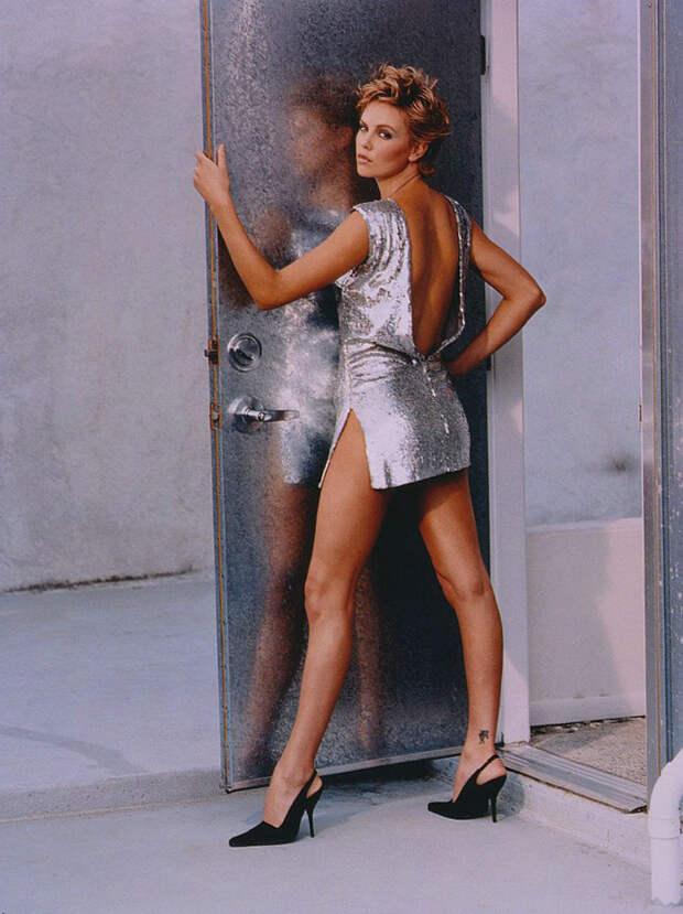 Шарлиз Терон (Charlize Theron) в фотосессии Ланса Стэдлера (Lance Staedler) (1997), фото 6