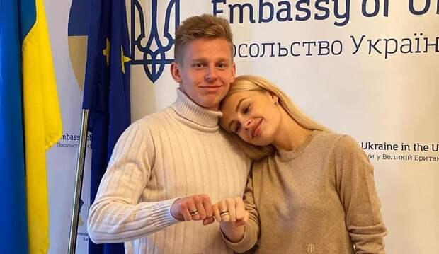 «Подумать не могла, что выйду замуж именно там». Появилось фото с бракосочетания Зинченко и украинской телеведущей