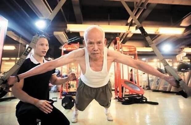 93-летний бодибилдер не проводил ни дня без тренировки последние 20 лет