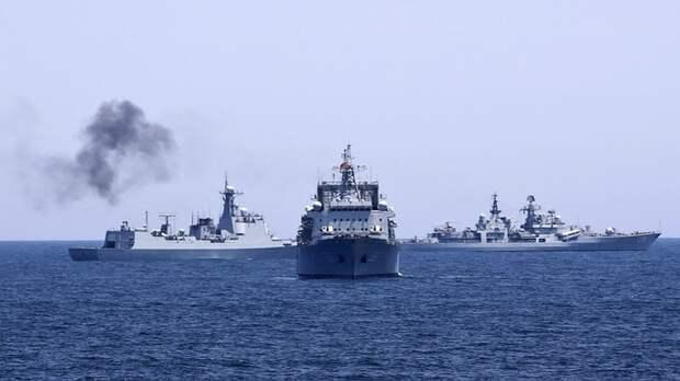 Балтийский флот отконвоировал эсминцы ВМС США