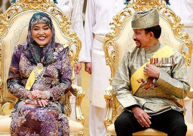 Султан Брунея: самый большой дворец на Земле и малолетние наложницы