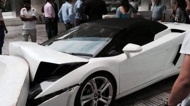 Парковщик отеля разбил Lamborghini Gallardo на 335 000 долларов