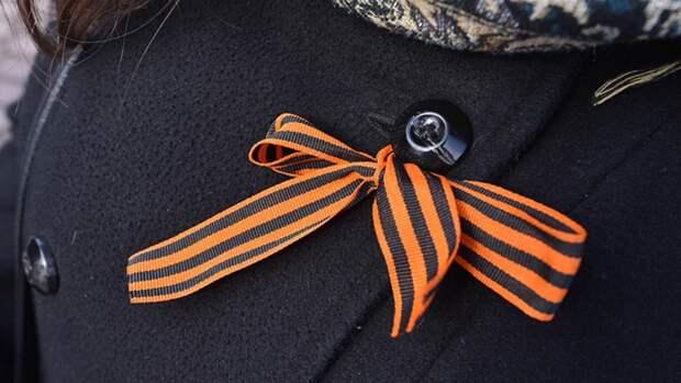 Под Новосибирском прошел мини-парад с участием военной техники ЦВО