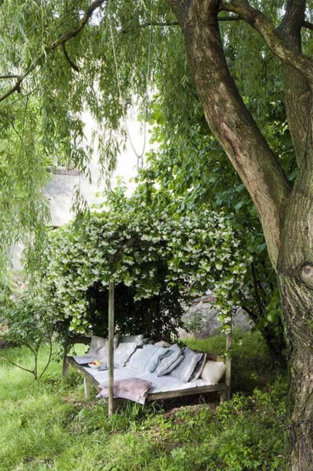 Даже после работы в саду требуется качественный отдых. /Фото: homishome.com