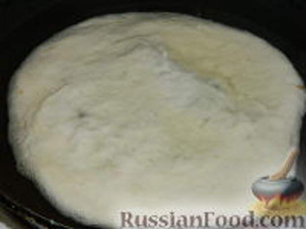 Фото приготовления рецепта: Лангош - венгерская лепешка - шаг №9