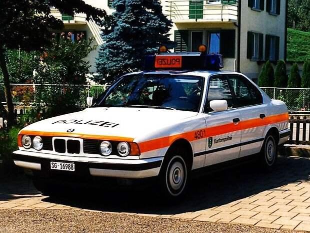 Это полиция Швейцарии… СССР, авто, автоистория, гибдд, ливрея, полицейский автомобилиь, полиция