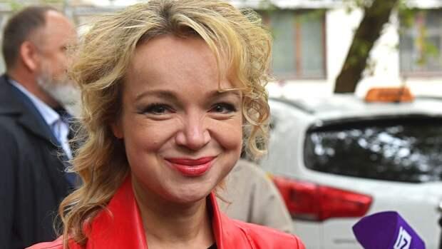 Цымбалюк-Романовская рассказала, сколько платит заквартиру