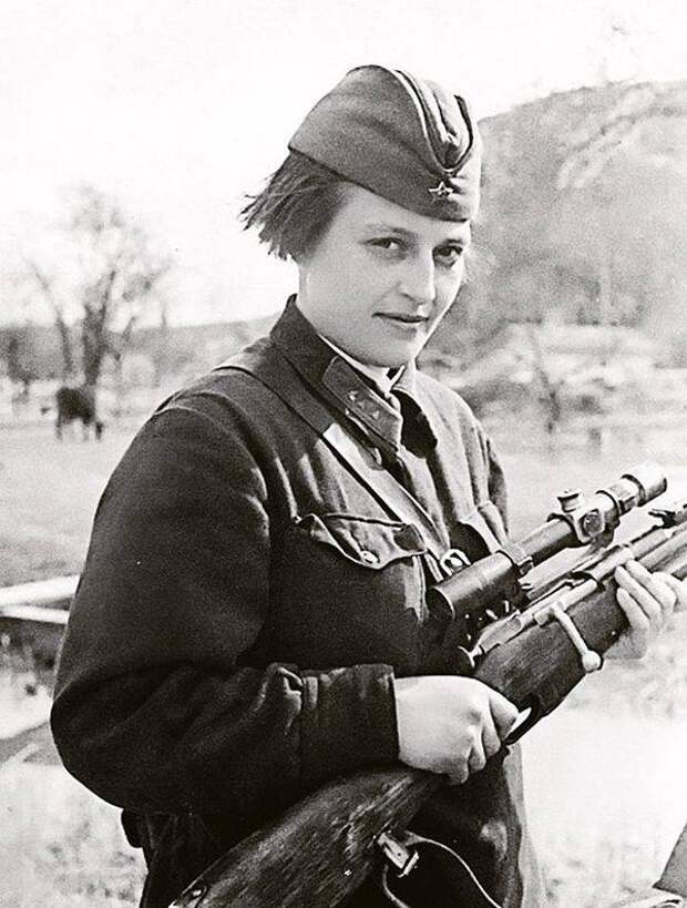 Людмила Павличенко. Самая известная женщина-снайпер