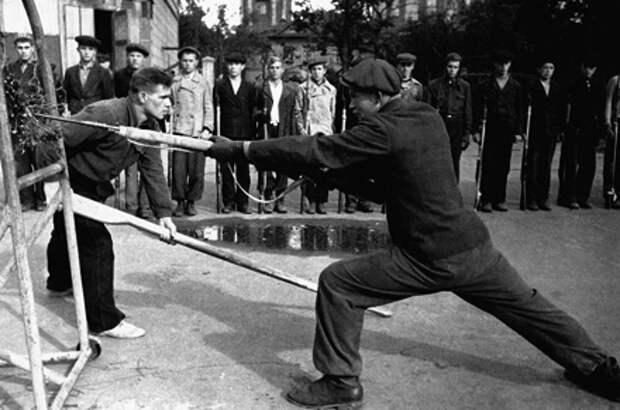 Рукопашный бой. Советская история