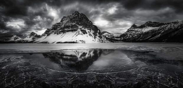 Дивные пейзажи в работах Daniel Greenwood