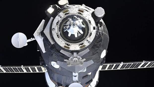 Стыковка грузового корабля Прогресс МС-09 к МКС