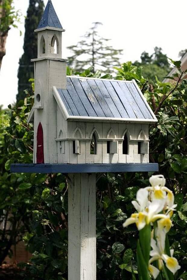 Church Birdhouse: