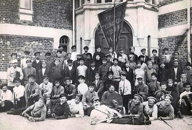 Отряд красноармейцев, направленный для подавления восстания в Ярославле