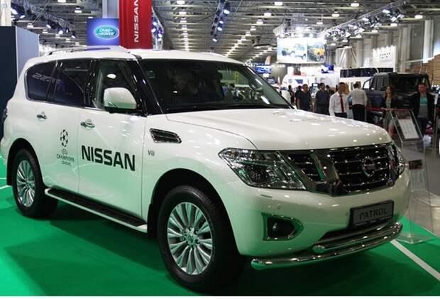 Стенд компании Nissan.